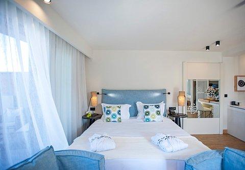 Pure Haven One-Bedroom Suite - Bedroom