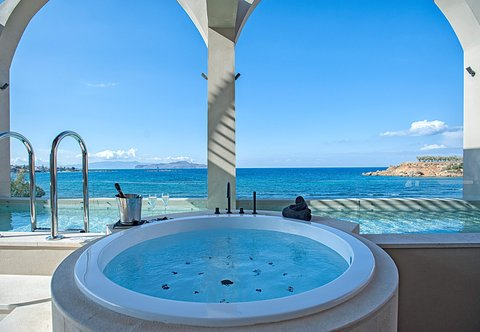 Ultimate Haven Whirlpool