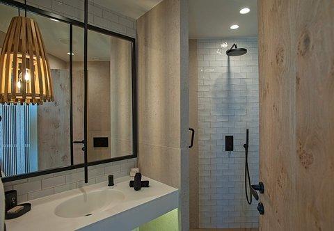 Ultimate Haven - Bathroom