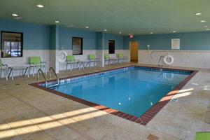 Pool Holiday Inn Express Hotel Suites Lonoke