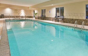 Pool - Holiday Inn Express Hotel & Suites North Topeka