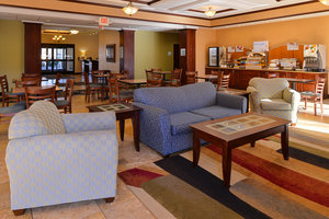 Lobby - Holiday Inn Express Hotel & Suites White Haven