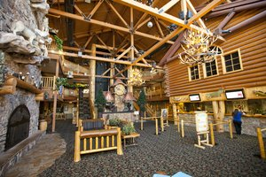 Lobby - Great Wolf Lodge Kansas City