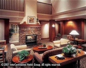 Bar - Staybridge Suites Guelph