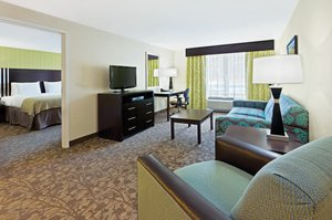 Suite - Holiday Inn Express Neptune