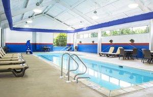 Pool - Park Inn by Radisson Mechanicsburg