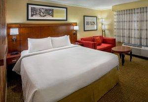 Room - Courtyard by Marriott Hotel Woburn