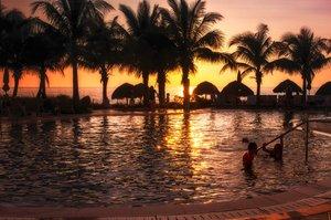 Pool - Naples Beach Hotel & Golf Club