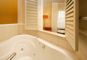 Room - Fairfield Inn & Suites by Marriott Germantown