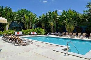 Pool - Bonaventure Resort & Spa Weston