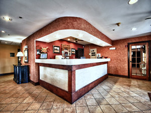 Lobby - Christopher Inn & Suites Chillicothe