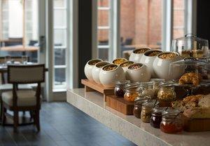 Restaurant - Marriott Hotel & Conference Center Adelphi