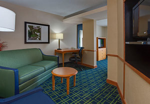Suite - Fairfield Inn & Suites by Marriott Hazleton