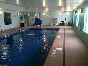 Pool - Holiday Inn Express Hotel & Suites Carlisle