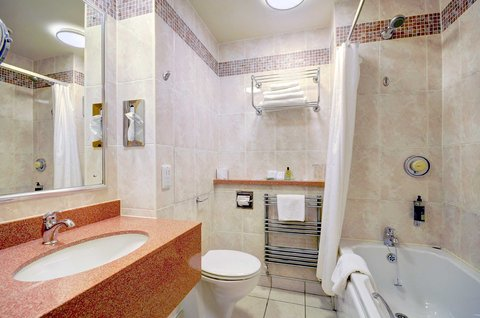 Cabarfeidh Bathroom