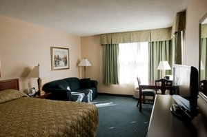 Room - Harbourfront Inn Sarnia