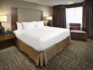 Suite - DoubleTree by Hilton Hotel West Edmonton