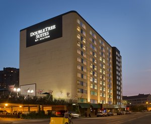 Exterior View Doubletree Suites By Hilton Hotel Downtown Minneapolis