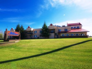 Exterior view - BCMInns Hotel Drayton Valley
