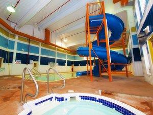 Pool - BCMInns Hinton