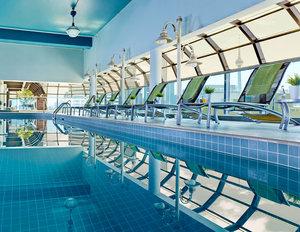 Pool - Chelsea Hotel Toronto