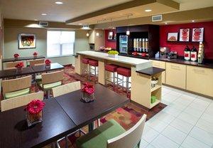 Restaurant - TownePlace Suites by Marriott Danvers