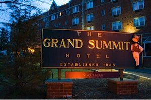 Exterior view - Grand Summit Hotel Summit