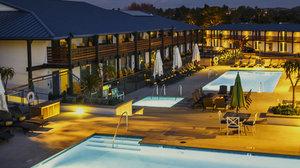 Pool - Lakehouse Hotel & Resort Lake San Marcos