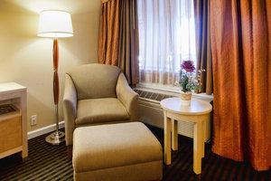 - Millwood Inn & Suites Millbrae