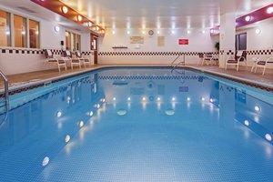 Pool - Country Inn & Suites by Radisson Wichita