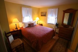 Suite - Seven Sea Street Inn Nantucket