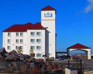 Exterior view - Brookside Inn & Suites White City