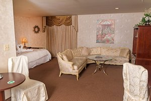 Suite - Renault Winery Tuscany House Hotel Egg Harbor City
