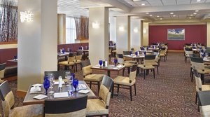 Restaurant - DoubleTree by Hilton Hotel West Edmonton