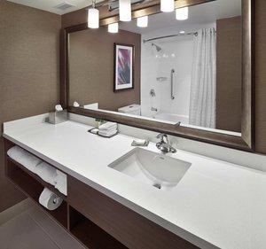 Room - DoubleTree by Hilton Hotel West Edmonton