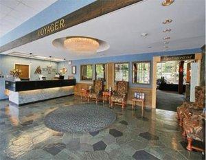 Lobby - Banff Voyager Inn