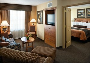 Suite - Clubhouse Hotel & Suites Sioux Falls