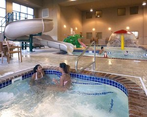 Pool - Clubhouse Hotel & Suites Sioux Falls