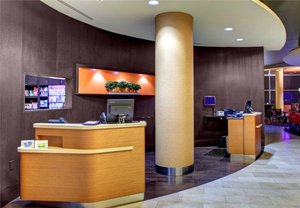Lobby - Courtyard by Marriott Hotel Downtown Greenville