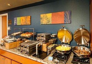 Restaurant - Fairfield Inn & Suites by Marriott Brunswick