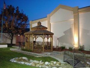 Recreation - Lamplighter Inn & Suites North Springfield