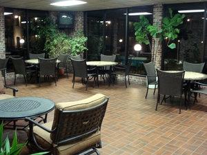 Bar - Lamplighter Inn & Suites North Springfield