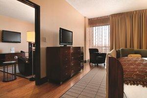 Suite - DoubleTree by Hilton Hotel Tucker