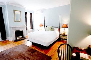 Room - Snapdragon Inn Windsor
