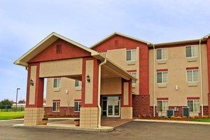 Exterior view - Paola Inn & Suites