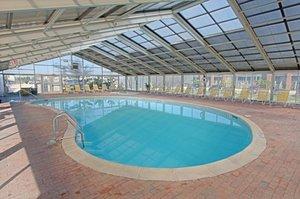 Pool - Montauk Blue Hotel