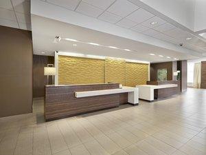 Lobby - DoubleTree by Hilton Hotel West Edmonton