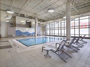 Pool - DoubleTree by Hilton Hotel West Edmonton