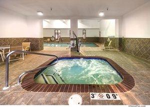 Pool - Holiday Inn Express Winnemucca