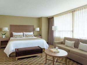 Suite - Chelsea Hotel Toronto